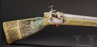 magnificent Ottoman deluxe miquelet rifle with gilt.jpg